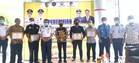 Walikota Palangka Raya menerima Penghargaan dari Angkasa Pura II